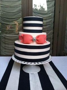 Bow wedding cake.:
