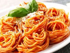 Recette de cuisine Marmiton Spaghetti Sauce Tomate, One Pot Pasta, Pasta In A Pot Recipe, Pasta Recipes, Cooking Recipes, Thermomix, Healthy Snacks, Homemade, Dishes
