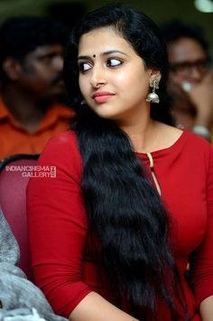 Stunning Image Gallery of Prettiest Malayalam Actress Anu Sithara! Beautiful Muslim Women, Beautiful Girl Indian, Most Beautiful Indian Actress, Beautiful Actresses, Beauty Full Girl, Beauty Women, Malayalam Actress, Most Beautiful Faces, Indian Beauty Saree
