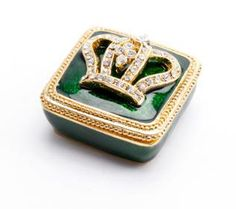Pill Box w/ crown embellishment