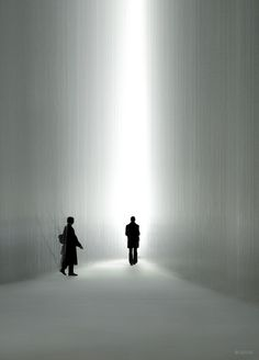 Surrealistic installation by Tokujin Yoshioka