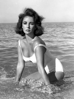 Elizabeth Taylor - when Hollywood women looked like real women!