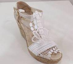 59723e79 Inspiracion zapatos boda · Resultado de imagen de cuñas novia encaje
