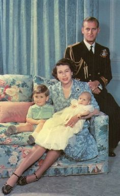 1950 royal family Philip of Mountbatten, Princess Elizabeth, Prince Charles, Princess Anne [an heir and a spare] English Royal Family, British Royal Families, Reine Victoria, Queen Victoria, Pippa Middleton, Princesa Anne, Young Queen Elizabeth, Prinz Philip, Royal Families