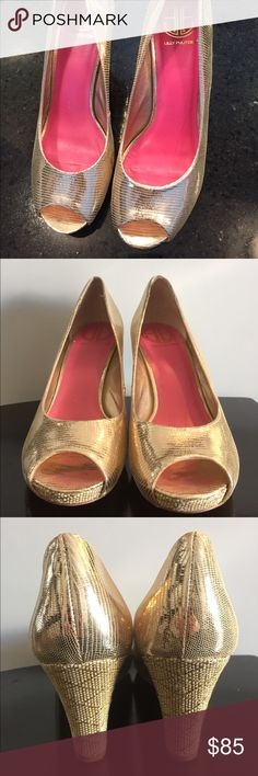 Lilly Pulitzer resort chic gold wedge Metallic leather, round peep toe. 1/2 inch hidden platform insole. 3 inch wrapped wedge heel. Smooth lining, cushioned insole. True to size. In excellent condition!!! Lilly Pulitzer Shoes Wedges