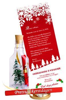Flessenpost - Een originele kunststof Flessenpost met kerst look met de Cadeau4jou . In de fles jouw persoonlijke kerstgroet en de giftcard als voucher mee geprint. Ook nu maatwerk mogelijk... #kerst #zakelijk #kerstpakket #flessenpost #cadeau4jou #kerstcadeau #kerstcadeaus #maken #zelf #origineel #bedrijf #personeel #medewerkers #2016