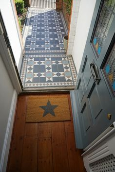 43 Ideas stairs design outdoor entrance for 2019 Victorian Front Garden, Victorian Hallway, Victorian Front Doors, Victorian Porch, Victorian Tiles, Front Door Steps, Front Door Porch, House Front Door, House Entrance