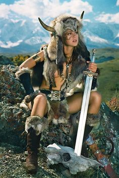 Pict female warrior - Valkyrie with bull horns Fantasy Warrior, Fantasy Girl, Chica Fantasy, Warrior Princess, Warrior Girl, Warrior Women, Fantasy Characters, Female Characters, Viking Warrior