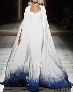 Check out the whole Tony Ward Haute Couture Fall/Winter Collection by clicking through the gallery. Photos Courtesy of Tony Ward Style Haute Couture, Couture Fashion, Runway Fashion, High Fashion, Fashion Show, Couture 2015, Couture Ideas, Paris Fashion, Trendy Fashion