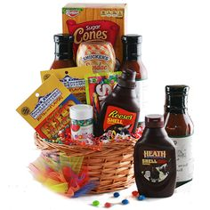 Grillin n' Chillin Grilling Gift Basket Bbq Gifts, Diy Food Gifts, Holiday Gift Baskets, Holiday Gifts, Candy Bar Gifts, Sugar Cones, Grillin And Chillin, Fajitas, Customized Gifts