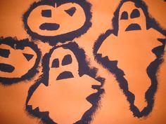 Tamponeren, op deze afbeeldging zijn Halloweenvormen getamponeerd