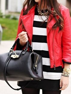Black doctor bag with gold elements  purses  handbags diy   trended   fashion   ad9ab00200e32