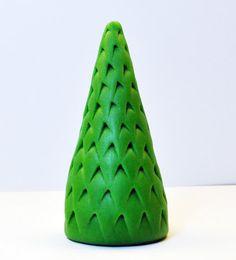 Judy's Cakes: Christmas Tree Tutorial #9