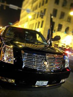 Vishous' Escalade out for a cruise, or Lesser-hunting.