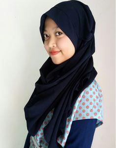 ✅ini pasmina instan paling cantik dan simple dengan bahan diamond premium yang lembut,strech 4arah.,tentunya bisa dibentuk tegak dibagian dahi dengan desain satu lubang jadi sekalimasuk saja  ✅cocok untuk segala bentuk wajah tentunya pipi chubby pun dapat tersamarkan. ✅bisa dipakai menjadi 4 model dalam satu hijab tentunya tidak nora sama sekalii WA : 0899-89234090