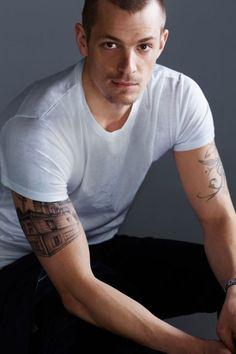 Joel Kinnaman loves how strong american women are, and I like his tatoo!