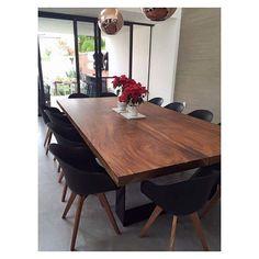 ¡DESCUENTOS INCREÍBLES APROVECHA! Sólo esta semana todos los comedores de tronco de parota para 6-8-10 & 12 plazas con el 50% de descuento INCLUYE SILLAS (varios modelos disponibles). Estamos seguros de que lucirá hermoso en tu hogar ENVÍO SIN COSTO A TODO EL PAÍS #parota #muebles #diseño #furniture #decoración #taller #alamedida #diseñomexicano #instagramers