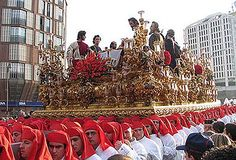 For more than 500 years, Holy Week of Málaga has been constantly present in the religious and popular feeling of people from Málaga. Spanish Holidays, Spanish Speaking Countries, Malaga Spain, Fairs And Festivals, Spanish Culture, Balearic Islands, Holy Week, Countries Around The World, Blessed Mother