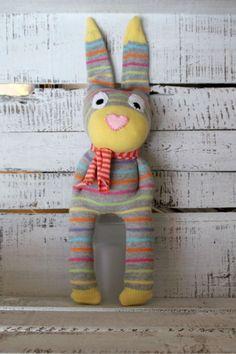 Sockenhase Heinz...die coole Socke.. von LiebensWert auf DaWanda.com