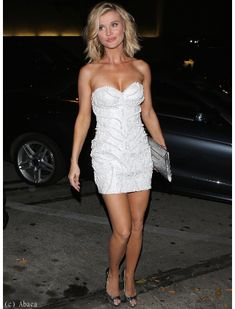 Joanna Krupa fait sensation dans sa robe bustier - Dress Like Vip