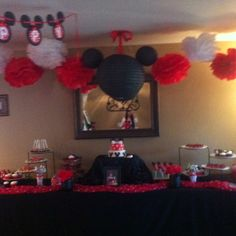 Angelina Minnie mouse dessert table