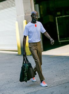 Tシャツ×スラックス×ジャックパーセル   メンズファッションスナップ フリーク   着こなしNo:124602