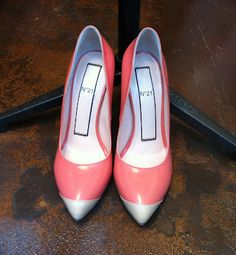 CORAL decollete.... a new must trend shape and color blocking