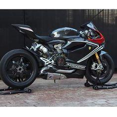 1199 panigale Sick Ducati #1199panigale#1199#ducati #motorcycle #motorcycles #bike #TagsForLikes #ride #rideout #bike #biker #bikergang #helmet #cycle #bikelife #streetbike #cc #instabike #instagood...
