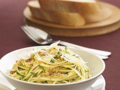 Pasta mit Knoblauch und Sardellen ist ein Rezept mit frischen Zutaten aus der Kategorie Zwiebelgemüse. Probieren Sie dieses und weitere Rezepte von EAT SMARTER!