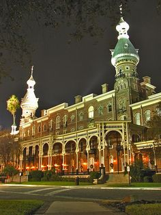 The historic Plant Hall at the University of Tampa