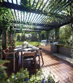 Dream outdoor entertainment area #gardenvinespergolas