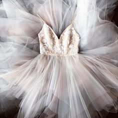 What a day for a daydream #nicolettagown by #hayleypaige @luxereduxbridal #weddinginspiration #dreamdress Homecoming Dresses, Hoco Dresses, Pretty Dresses, Beautiful Dresses, Formal Dresses, Wedding Dresses, Evening Dresses, Dresses With Sleeves, Gowns