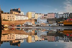 Tenby Harbor in Pembrokeshire, Wales 2 Grand Tour, Road Trip, Site Archéologique, Station Balnéaire, Seaside Resort, Parc National, Beautiful Scenery, South Wales, New York Skyline