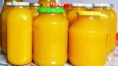 V období, keď všade naokolo zúri epidémia, je prísun vitamínov veľmi dôležitý. Deti milujú sladené džúsy a farebné nápoje, vyrobte pre celú rodinu zásobu vynikajúceho drinku – domáceho vitamínového zázraku. Chutí fantasticky, neobsahuje cukor a … Hot Sauce Bottles, Mason Jars, Water Bottle, Drinks, Food, Drinking, Beverages, Essen, Mason Jar