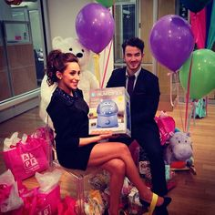 Danielle Jonas & Kevin Jonas looked so stylish at their baby shower!