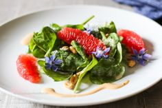 Recipe for vegan, gluten free, raw baby spinach salad with peanut dressing and grapefruit