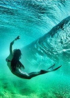 Divin' through the deep blue sea! #kameleonz #lifesabeach