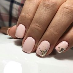 The advantage of the gel is that it allows you to enjoy your French manicure for a long time. There are four different ways to make a French manicure on gel nails. Short Nail Designs, Super Nails, Nagel Gel, Perfect Nails, Gorgeous Nails, White Nails, White Short Nails, Simple Nails, Trendy Nails