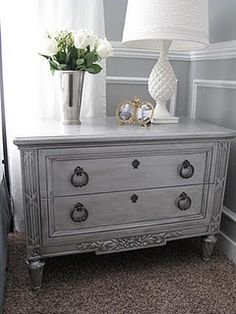 Metallic paint with antique glaze table makeover. Turn thrift store furniture into beautiful home decorating furniture. DIY Painting technique tutorial home Metallic Painted Furniture, Paint Furniture, Furniture Projects, Furniture Makeover, Bedroom Furniture, Bedroom Decor, Furniture Refinishing, Silver Furniture, Bedroom Night