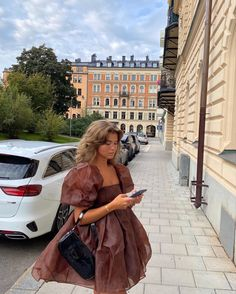 Looks Street Style, How To Pose, Looks Cool, Aesthetic Clothes, Aesthetic Hair, Fashion Outfits, Fashion Tips, Fashion Hacks, Paris Outfits