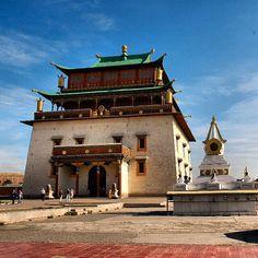 Gandan #Monastery, #Mongolia Photo: Andrew Barron #MongoliaTravelwithMIR #mongoliatravel #mongoliatourism #visitmongolia #asia #travel #tourism #wanderlust #worlderlust #beautifuldestinations #seetheworld #adventuretravel #architecture #buddhism #bluesky #instapassport #travelgram #ulaanbaatar #temple #igs_asia #traveljournals