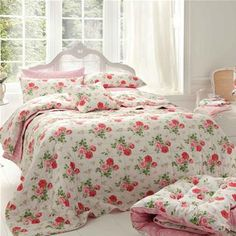 I like the fact that it's reversible. Floral and polka dots. Plus I LOVE plush quilts.