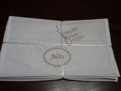 Kit com 06 saquinhos personalizados, com ziper.  32x35cm  Tecido 100% algodão.  .      Tecido tricoline 100% algodão.