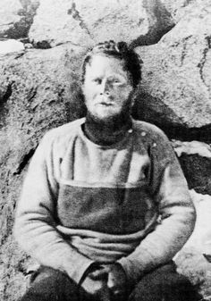 A century ago, Douglas Mawson saw his two companions die and found himself stranded in the midst of Antarctic blizzards.