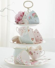 Royal Albert Old Country Roses White Vintage 3 Tier Cake Plate – Fine China – Di… – Lace Wedding Cake Ideas Sweet 16 Decorations, Tea Party Decorations, Bridal Shower Decorations, Spring Decorations, Birthday Decorations, Birthday Ideas, Party Table Centerpieces, Tea Party Table, 3 Tier Cake