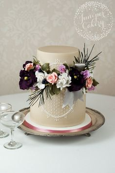 Pretty vintage cake with sugar flowers separating the layers ~ we ❤ this! moncheribridals.com