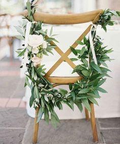Stuhldeko Greenery Hochzeit