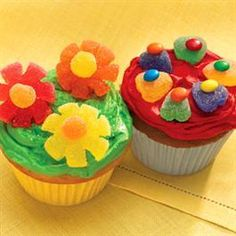 Flower Pot Cupcakes | Holiday Cottage