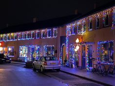 Joey (25) heeft zijn eigen kerstdorp: Huisjes AH komen er niet in - indebuurt Almelo