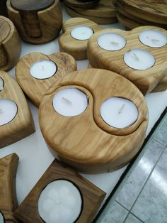 23 Clever DIY Christmas Decoration Ideas By Crafty Panda Woodworking Candle Holder, Woodworking Crafts, Candle Stand, Tealight Candle Holders, Pallet Crafts, Wooden Crafts, Tea Light Candles, Tea Lights, Bourbon Barrel Furniture